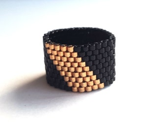Ring beadwoven - black gold - all sizes