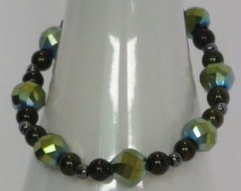 GREEN GLASS BEADS (6mm) - Stretchy Beaded Bracelet - Fantastic 122