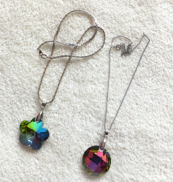 2 Lovely aurora borealis green and purple pendant necklaces