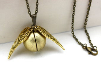 Harry Potter 'Golden Snitch' Locket Necklace. Vintage Locket with Gold Wings.