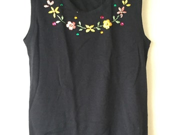 Black sleeveless tee shirt