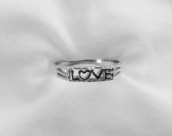 Beautiful Sterling Ring!  FREE SHIPPING!