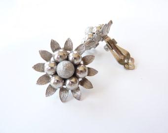 Vintage Flower Earrings 1960s