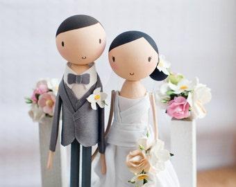 Wedding Cake Topper/Wooden Cake Topper/Rustic Wedding Cake Topper/Cake Topper/Wooden Peg Doll/Personalized/Boho wedding cake topper