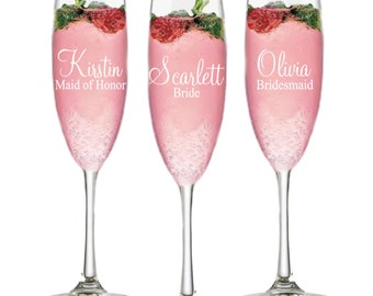 Bridesmaid Gift Ideas, Set of 7, Personalized Champagne Flutes, Bridal Party Gift Champagne Glasses, Bridal Shower Favor, Bridal Party Ideas