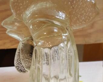 bottle top in shape of hen head