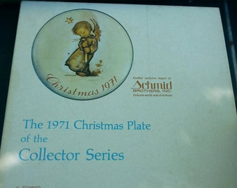 Hummel Christmas Plate. Year 1971 In the box. First in Annual Christmas Series./Vintage