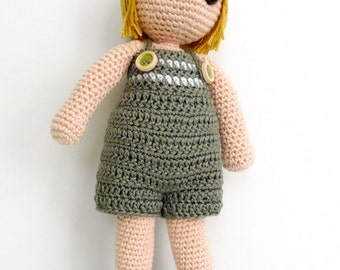 Amigurumi doll with straight hair