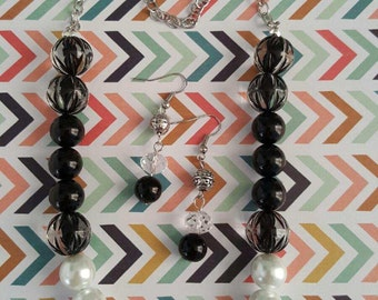 Black and White flower pearl necklace and earring - free shipping