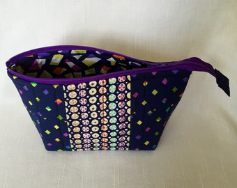 Small Quilted Open Wide Zippered Pouch