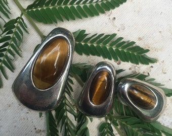 Vintage Tiger's Eye Silvertone jewelry set - pendant & earrings