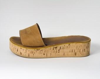 SIROLO - scarpe donna in pelle e sughero, personalizzazione altezza suola, colore e tipo di pelle compresa nel prezzo.