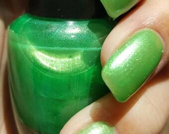 "Unique ""Modish Wealth"" Crystal Pearl Apple Green Nail Polish Full Size 15ml Bottle"