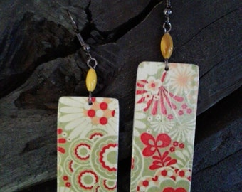Handmade earrings green and red floral Aluminums