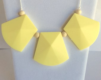 The Maria- Cream Yellow Teething Necklace/Nursing Necklace