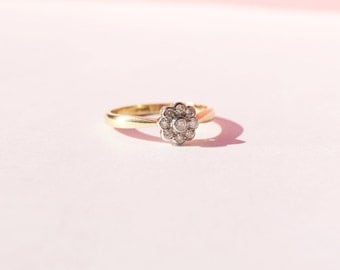 Antique 9ct Yellow Gold Diamond ring - vintage ring - antique jewelry - daisy ring - art deco ring - diamond ring - diamond - vintage - 201