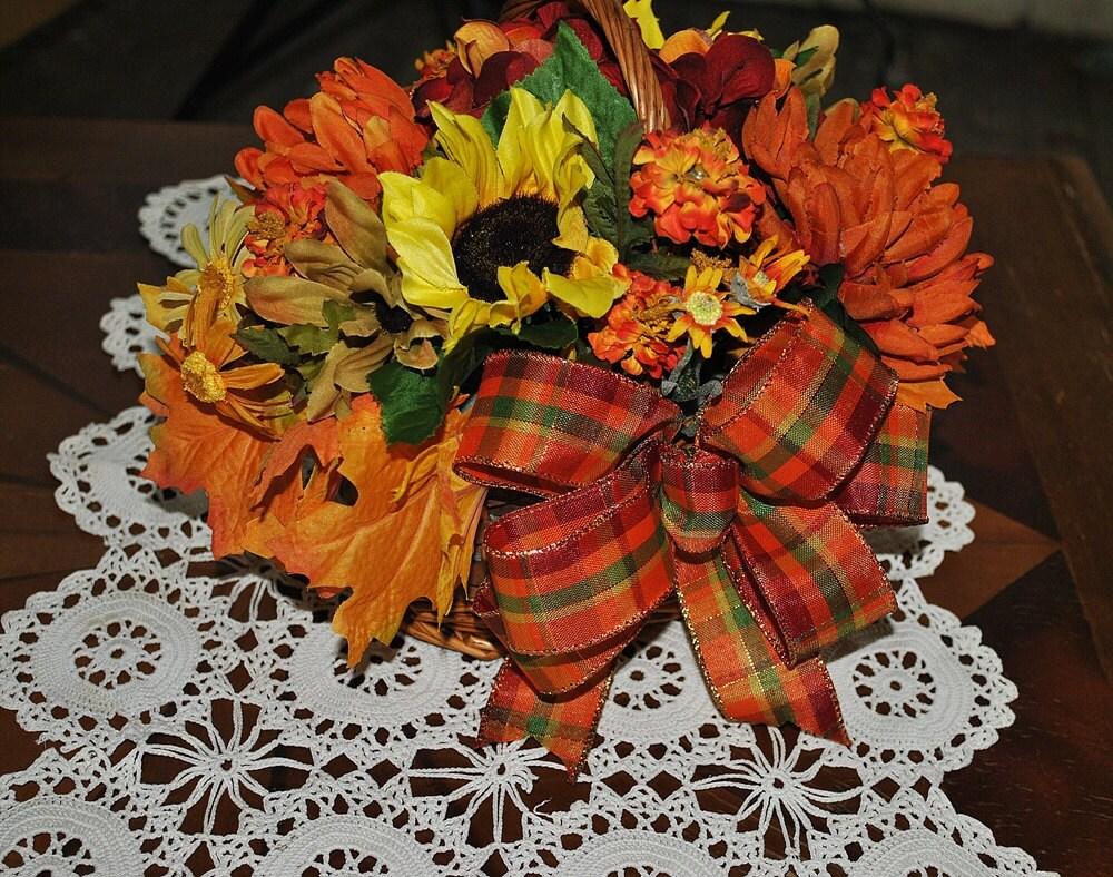 Small fall floral basket arrangement centerpiece