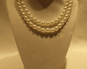 Vintage Pearl Necklace From the 1980's