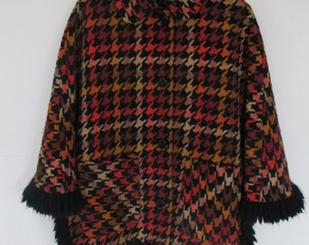 1970s Houndstooth Poncho Winter Coat