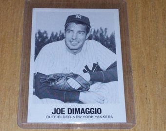 Vintage 1960 Sports Novelties JOE DIMMAGIO YANKEES Gd-Vg