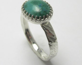 Chrysocolla cabochon Polished Sterling Silver twisted bark finish ring 3.21cts Size 98