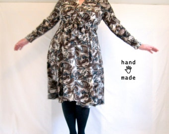 Persuasion Dress - long sleeve, Midi, empire waist - plus size, size 22 / 24W - in vintage print rayon -- 49B-45W-75H