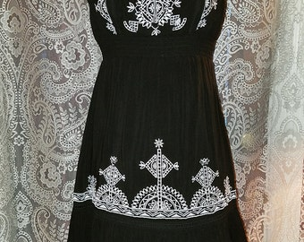 20% OFF Black and White Strapless Dress Bohemian Gypsy Witchy S/M