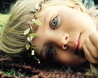 Woodland flower girl flower crown - Rustic circlet - Simple wedding hair - Bohemian bridesmaids - Woodland halo - boho bridal