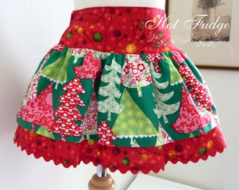 50% OFF SALE  Layered Skirt, Christmas Trees, size 4