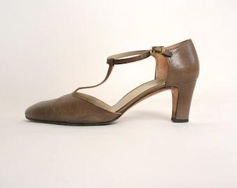 Vintage T-Strap Ferragamos - Light Taupe Brown 1970s Salvatore Ferragamo Heels