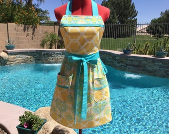 Sassy Apron with Gathered Waist, 2 pockets and Towell Loop, Womens Misses and Plus Sizes, Kitchen Aprons, Joel Dewberry Notting Hill
