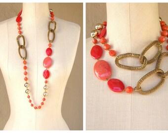 70s chunky necklace / mesh chain, salmon bobbles beads / WILD mod boho, long