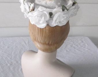 50s 60s Vintage White Pillbox Hat with White Roses