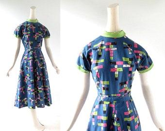 Vintage 1950s Dress / Hopscotch / Novelty Print Dress / 50s Dress / XS
