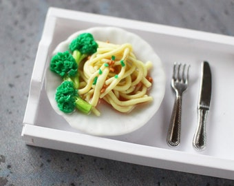 Spaghetti with Broccoli - Dollhouse Miniatures