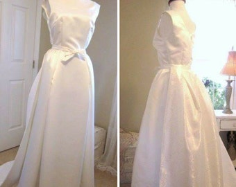 1960's Style Wedding Dress - Grace Kelly Style Wedding Gown - Long ivory Satin Wedding Gown - Detachable Train - Handmade  USA