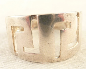 SALE --- Size 9 Vintage Italian Sterling Cutout Geometric Patterns Ring