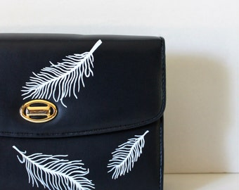 VINTAGE navy blue CLUTCH with hand painted feathers/painted purse/vintage clutch/wedding purse/bride purse/bridesmaid gift/prom purse