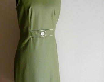 Vintage Sage Green Shift Dress