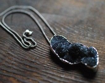 Bewitching Pendant Natural Black Drusy