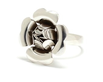 Recycled Sterling Flower Ring - Size 7 - 1940s Retro Flower
