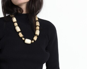 Vintage 70s Cream and Tan Bone Bead Necklace