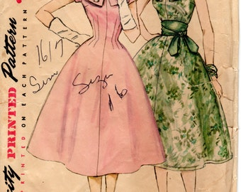 1950s Womens Dress Pattern - Vintage Simplicity 1617 - Bust 34 Princess Seams Wide Collar