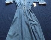 SALE Denim Dress / Dream Jean Jacket Dress Snap Up Jean Dress  Eighties Casual Dress Hipster Boho Dress / Size Medium Dress / Nineties Dress