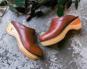 70s Leather & Wood Platform Frye Clogs // sz 5.5