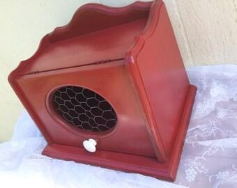 Vintage Breadbox Red Country Farmhouse Chickenwire Bread Storage