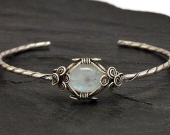Moonstone Silver Bracelet, Bridal Bracelet, Moonstone Bangle, Moonstone Bracelet,  Wedding Bracelet, Moonstone Cuff Bracelet, Silver Bangle