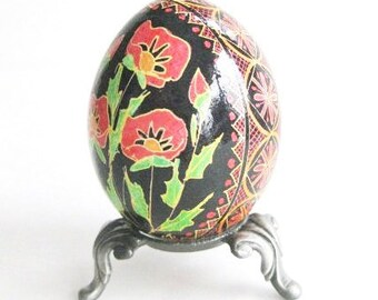 Pysanka with poppies Ukrainian Easter egg batik decorated chicken egg shell