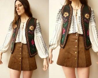 1970's Vintage Embroidered Hippie Felt Vest Waistcoat Size Small