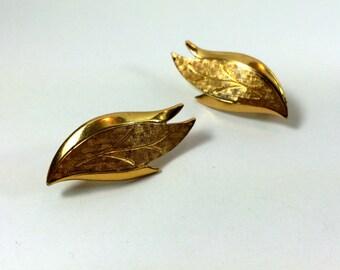 Golden leaf clip earrings